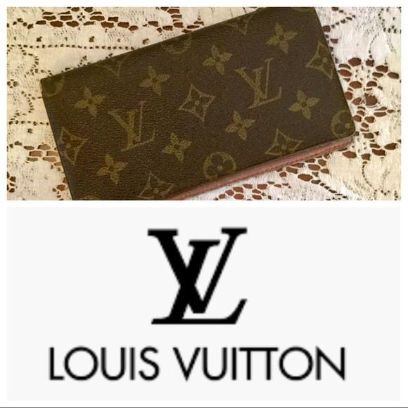 f4fc7cfe6fd0 Louis Vuitton Accessories - Louis Vuitton Monogram Canvas Checkbook Cover
